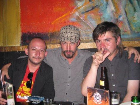 Yo, TUSH Villalba y H.H.  tomando agua loca en Quito hace un par de años
