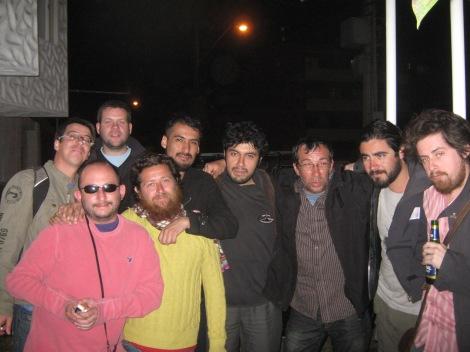 Última noche de destrucción en Arica. Grandes poetas con care crimen.