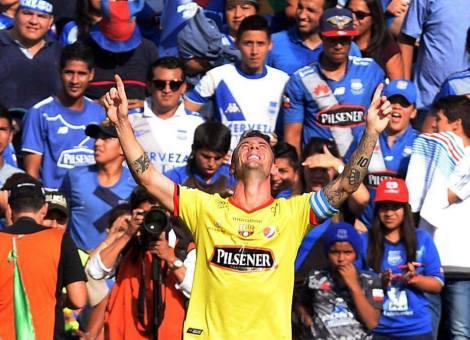 Damián EL KITU Díaz, celebrando el gol con el que silenció el Capwell durante su reapertura... SUFRAN.